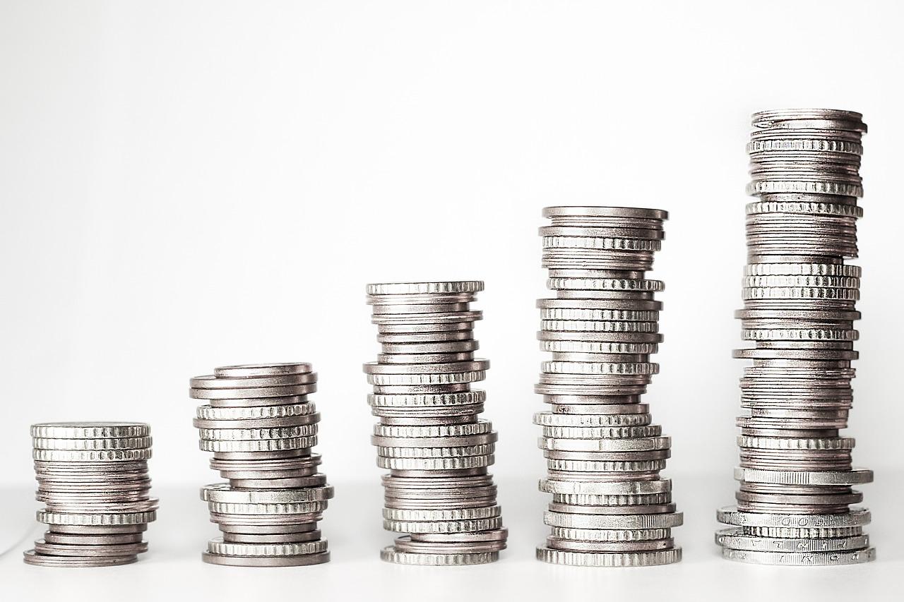 月給制のあなたは最低賃金以下で働いていませんか?